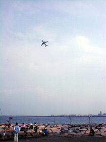 羽田から飛び立つ旅客機