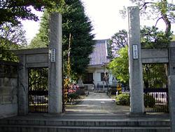 線路のあるお寺