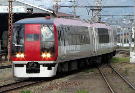 長野電鉄スノーモンキー2100系
