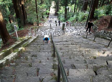 身延山久遠寺石段