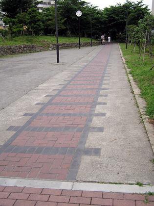 赤羽根緑道タイル
