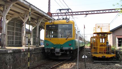 富山地鉄岩峅寺