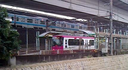 都電王子駅