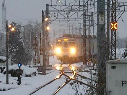 長野電鉄村山駅8500系