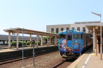 JR砺波駅