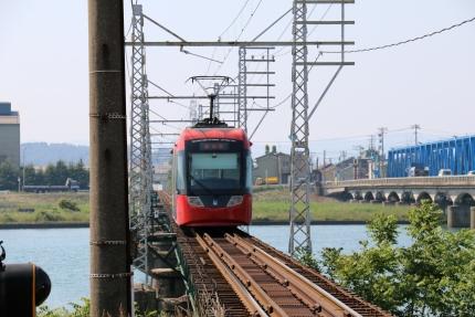 万葉線庄川口駅