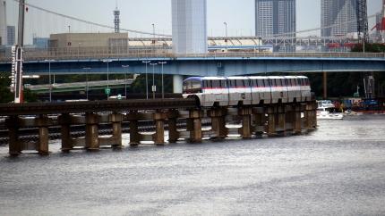 東京モノレール 京浜運河