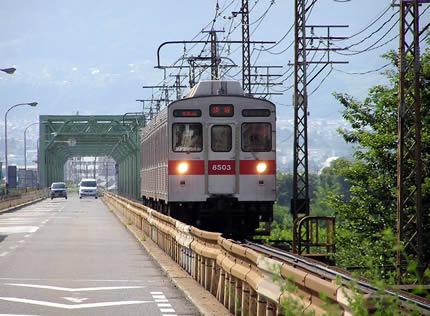 村山橋8500系