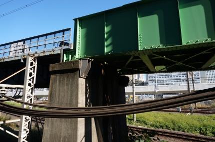 橋脚を探して−1 JR田町付近