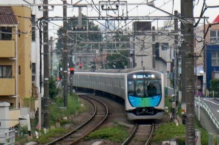 横浜高速鉄道ポケモンラッピング
