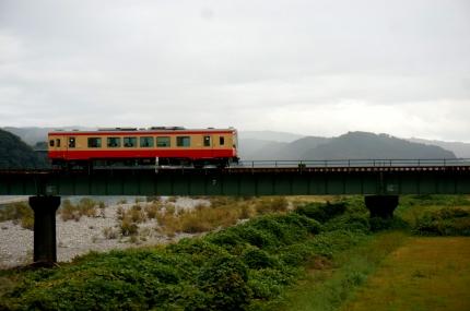 天竜川を渡る天浜線