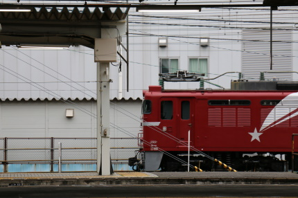 水戸駅 EF81北斗星色
