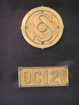 DC121ナンバープレート