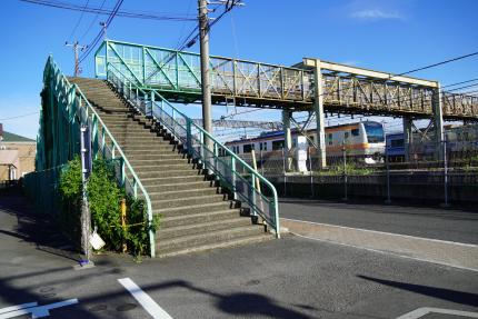 JR三鷹駅跨線人道橋