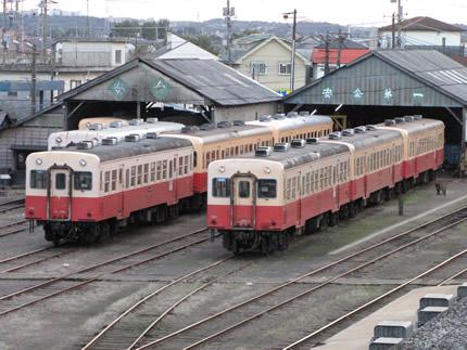 小湊鉄道車庫1